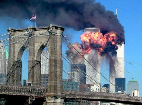 Chomski cuestiona la «historia oficial» del 11-S
