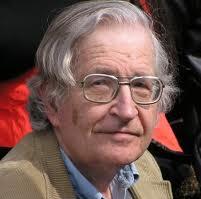 Aguda reflexión de Noam Chomsky sobre la democracia y la libertad