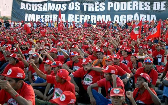 Dilma opta por el «agronegocio»: Joao Pedro Stedile
