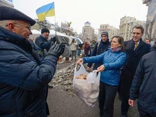 «Golpe blando» en Ucrania