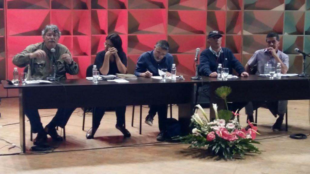 Los medios, sus mentiras y la democracia: notas desde Caracas