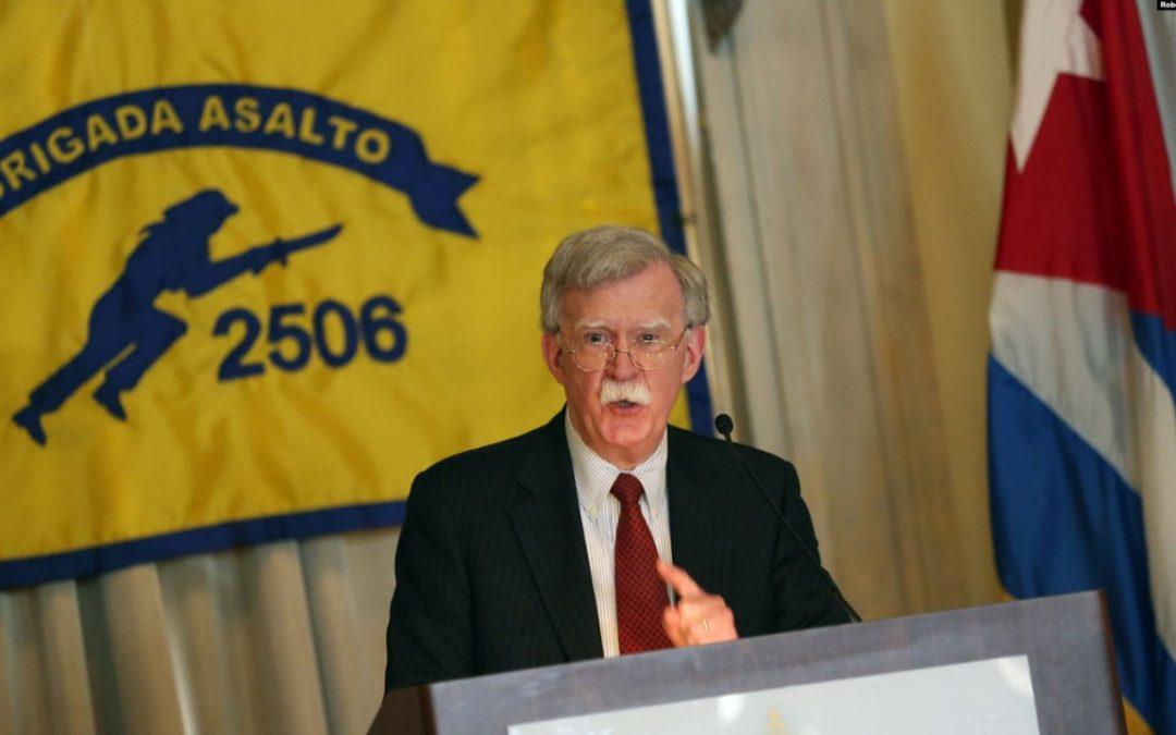Sin Bolton, ¿cambiará la política exterior de EEUU?