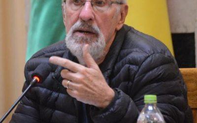 Votar por Carlos De Mesa u Óscar Ortiz será un suicidio político