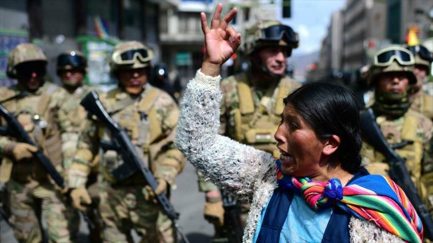 Militares y policías en Bolivia
