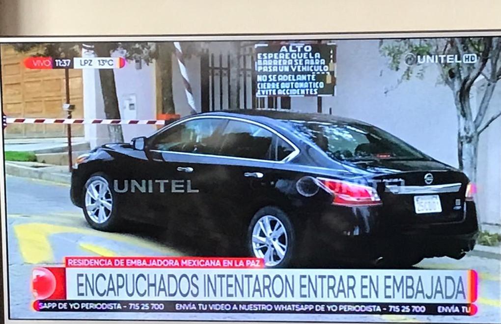 GOBIERNO DE FACTO DE BOLIVIA IMPIDE SALIDA DE FUNCIONARIOS DE EMBAJADA DE MÉXICO